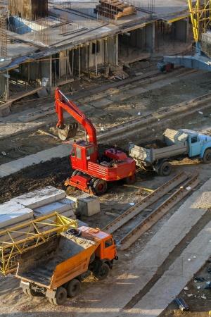 Машины на строительной площадке
