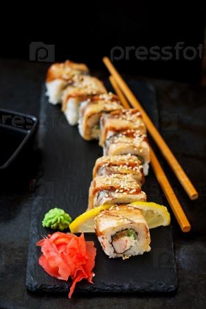 Традиционная японская еда - роллы