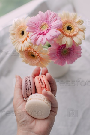 Цветы и печенье