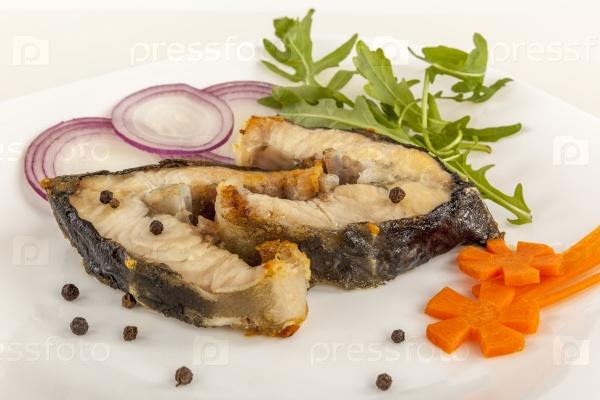 О нюансах приготовления роскошной русской рыбы рассказывает шеф рыбного ресторана.