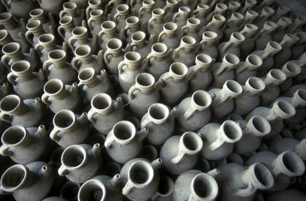 Глиняные кувшины