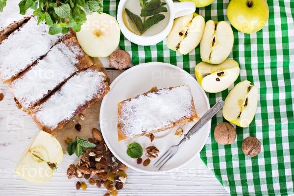 Самодельный яблочный штрудель