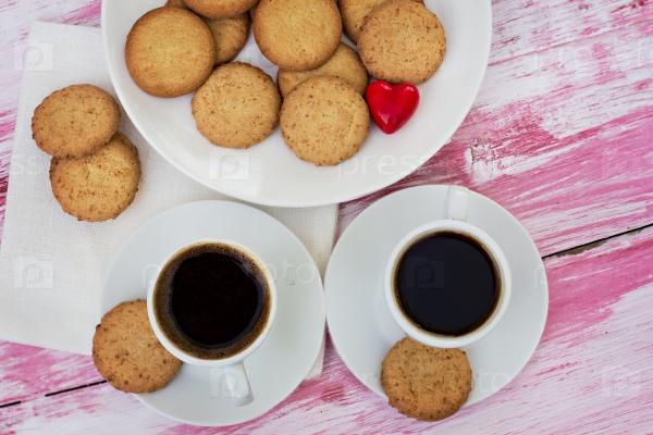 Печенье и чашка кофе