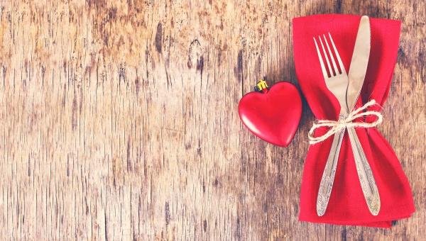 Украшение стола День святого Валентина