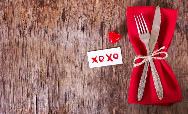 Украшение стола на День святого Валентина