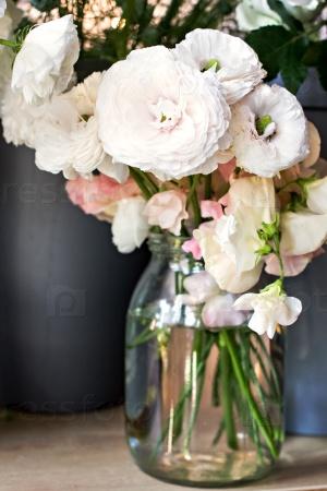 Лютик. Букет красивых цветов