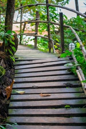 Путь в горах, ведущий к пляжу Ао Нанг, Таиланд