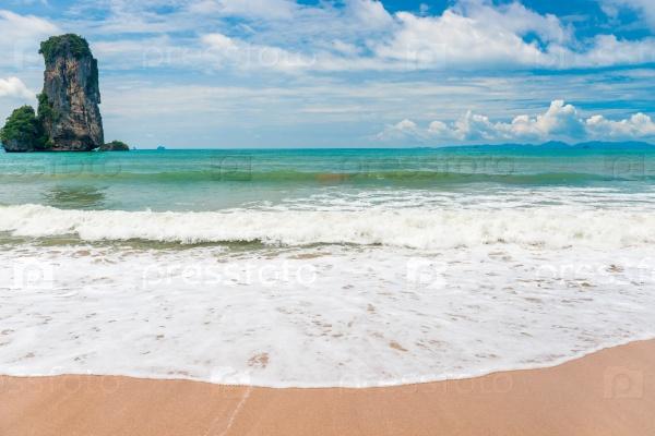 Волны Андаманского моря, Таиланд