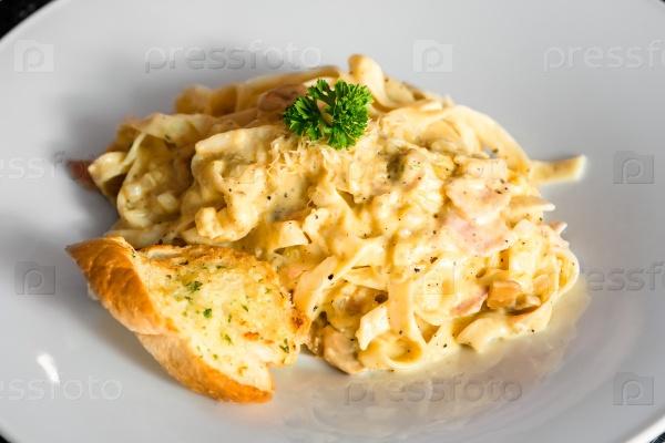 Макаронное блюдо национальной итальянской кухни