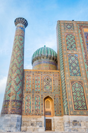 Минарет и купол, Самарканд, Узбекистан