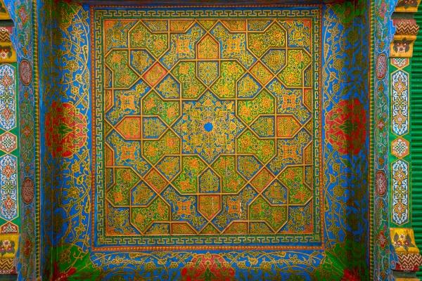 Красочный потолок Хазрат Хизр мечети Самарканда