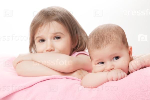 Маленькие сестренки
