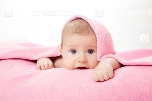 Маленький красивый ребенок