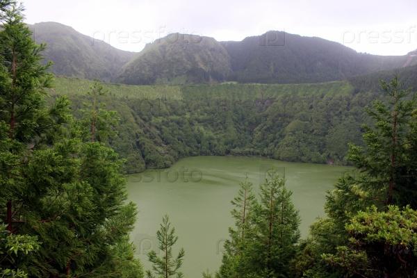 Озеро Лагоа де Сантьяго на Сан Мигеле