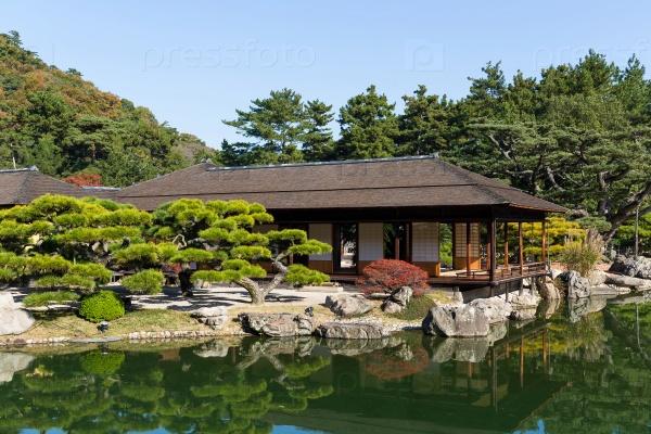 Традиционный японский сад Рицурин