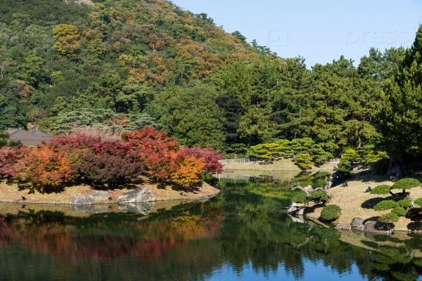 Сад Кокоен осенью
