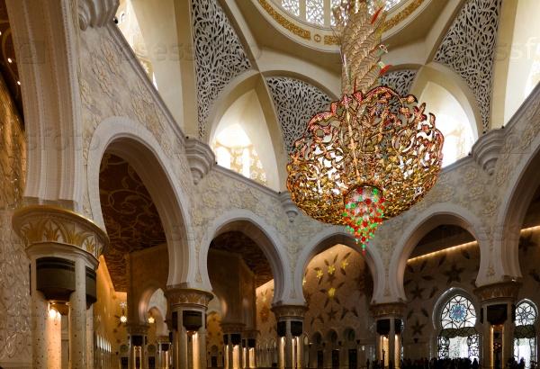 Мечеть шейха Заида в Абу-Даби, ОАЭ