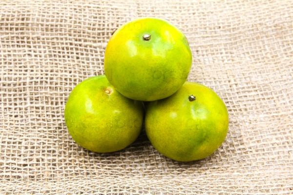 Зеленые мандарины
