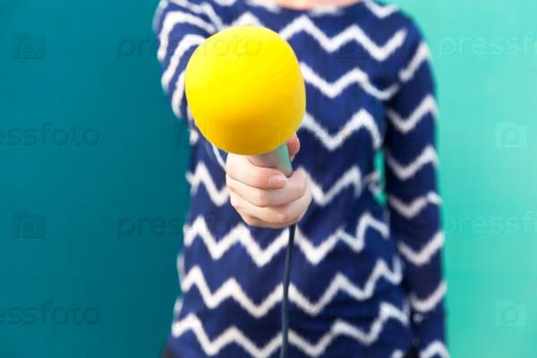 Интервью. Журналист. Микрофон