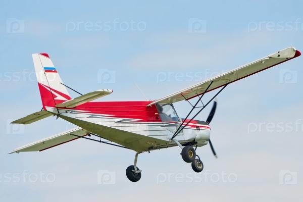 Полет небольшого самолета