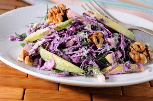 Красный салат из капусты
