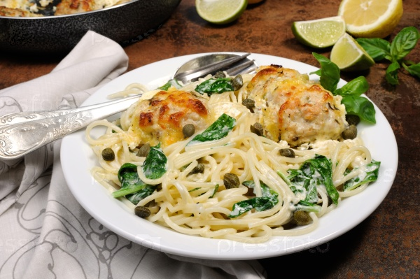 Спагетти с фрикадельками