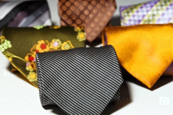 Разнообразие мужских галстуков