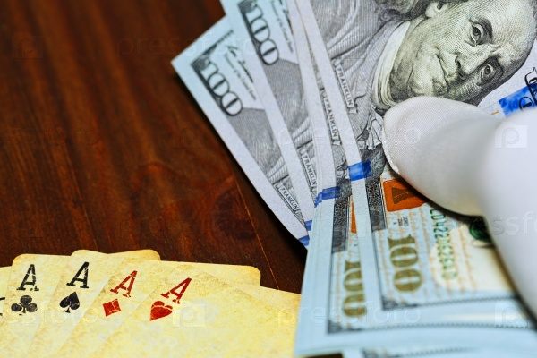 Доллары и карты