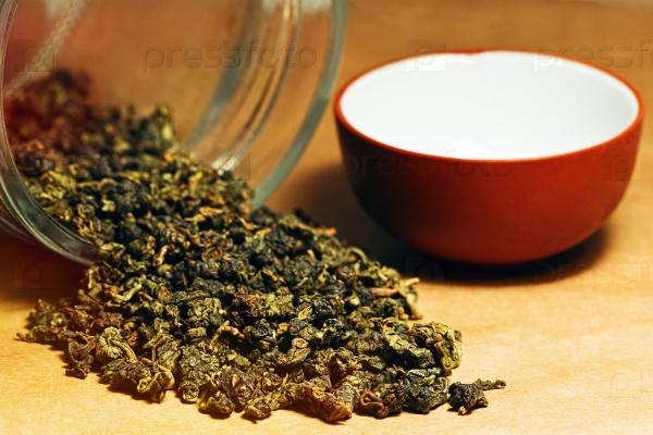 Улун чай в стеклянной банке
