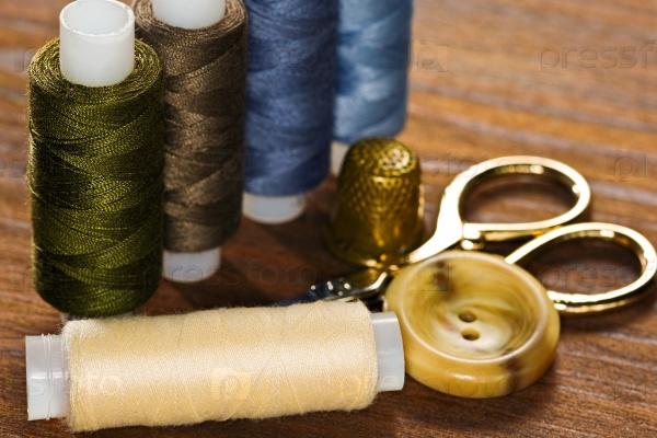 Швейные инструменты и материалы