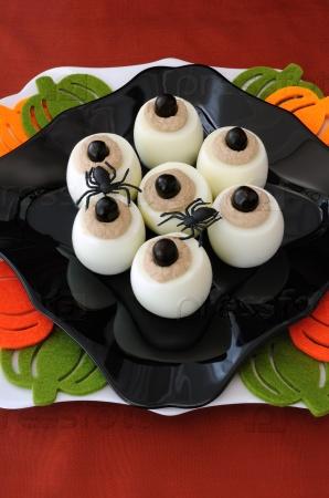 Смешные яйца-глаза на Хэллоуин