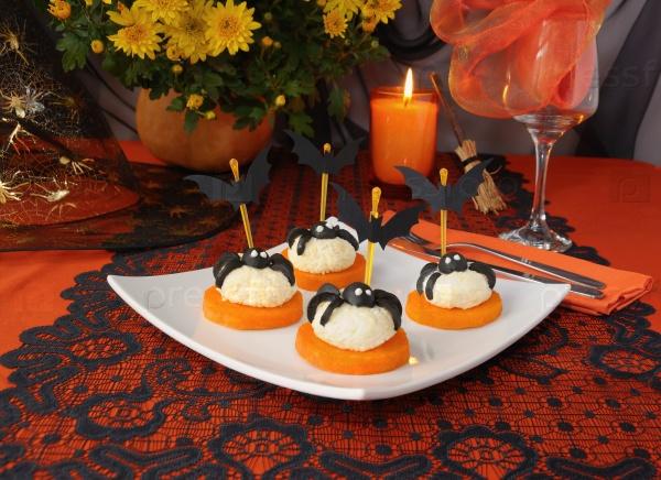 Сырные шарики для Хэллоуина