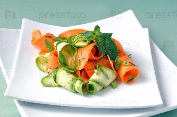 Цуккини салат с морковью