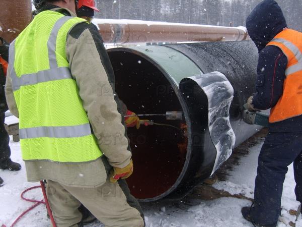 Строительство нефтегазового трубопровода, Сургут