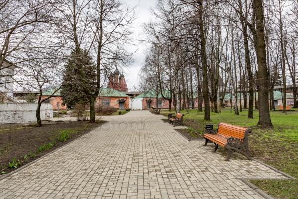 На территории Спасо-Преображенского монастыря, Ярославль, Россия