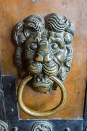 Античные дверные ручки