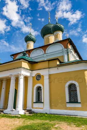 Спасо-Преображенский собор 18-го века в Угличе, Россия