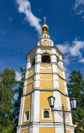Звонница Кремля 18 века в Угличе, Россия