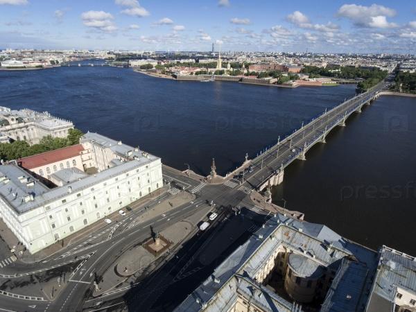 Река Нева набережные и мосты. Санкт-Петербург