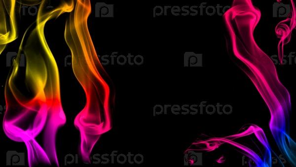 Красочный дым на черном фоне