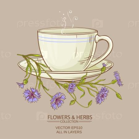 Чашка цветочного чая на цветном фоне