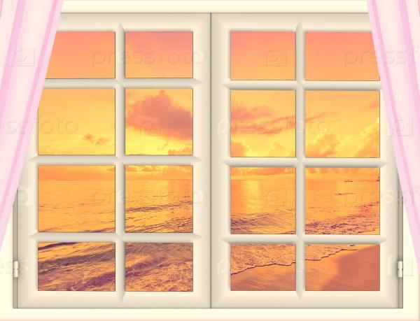 Красивый закат на море из окна с занавесками