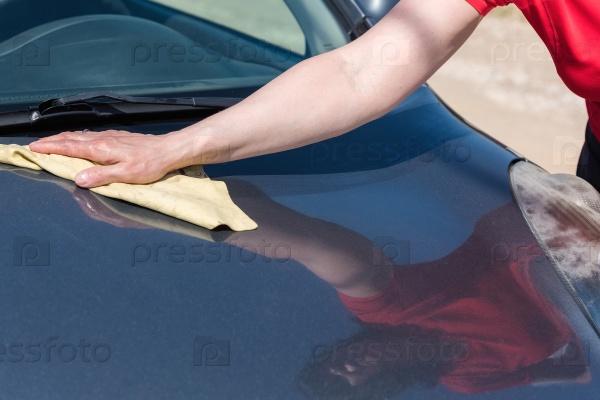 Мыть автомобиль на открытом воздухе