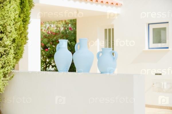 Украшение дома вазами