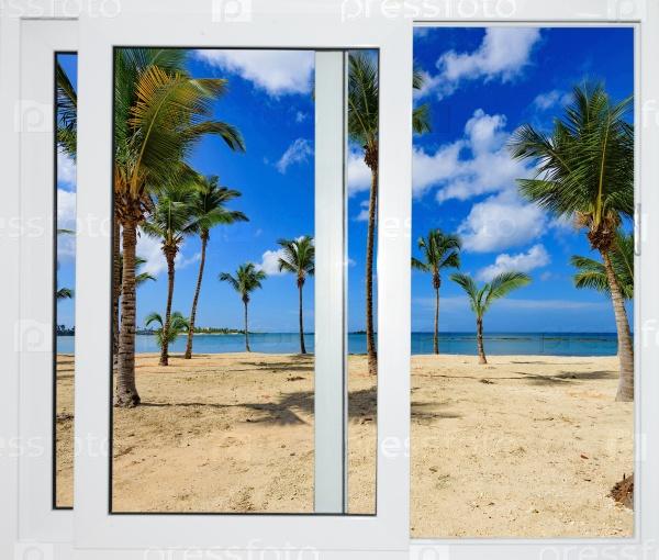 Пляж из окна на острове