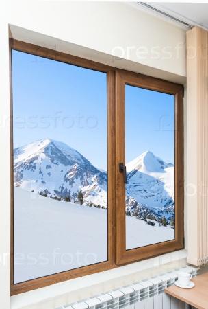 Вид из окна на горы