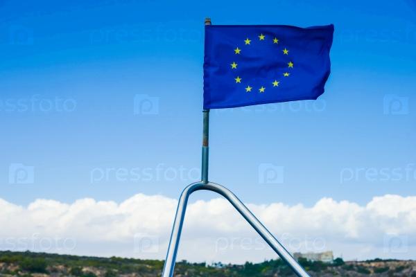 ЕС флаг на корабле