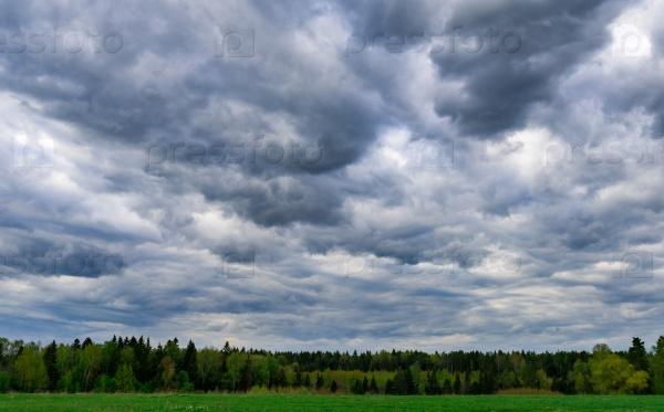 Облака и грозовое небо