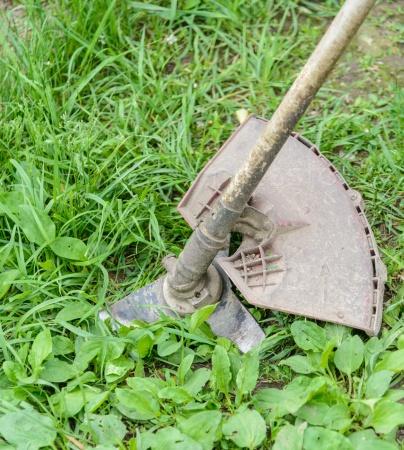 Косилка на траве