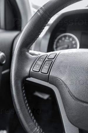 Рулевое колесо современного автомобиля